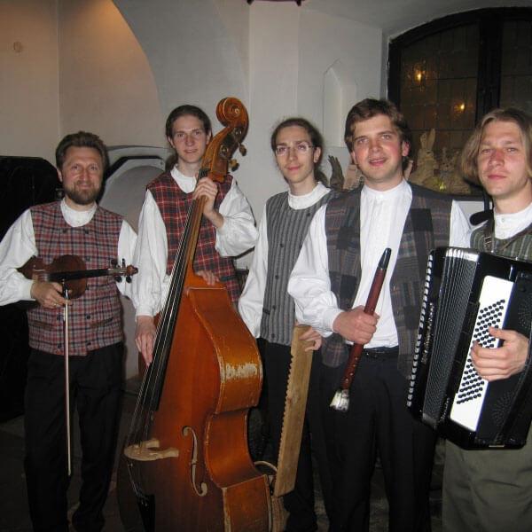 Lietuviško folkloro programa